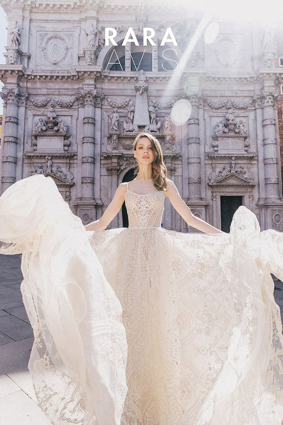 Hochzeit - Lace Wedding Dress, LOVIA, Lace Wedding Gown, Bridal Dress, Ball Gown