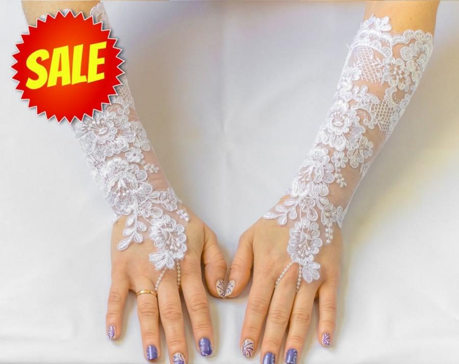 Long lace gloves white wedding gloves bridal gloves for Wedding dress with long gloves