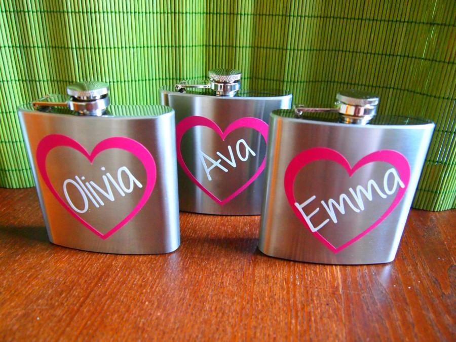 Mariage - Personalized Bridesmaid and Maid of Honor Heart Name Flasks - Bridal Party Gifts - 6 oz. Stainless Steel