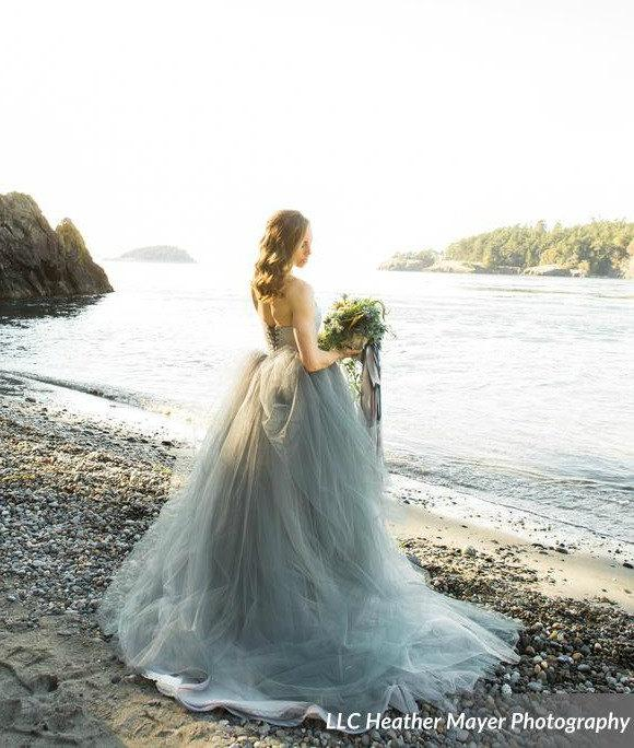 Mariage - Tulle Wedding Dress, Strapless lace with Tulle Skirt, Train, TULA, Grey, Black, White, Any Color