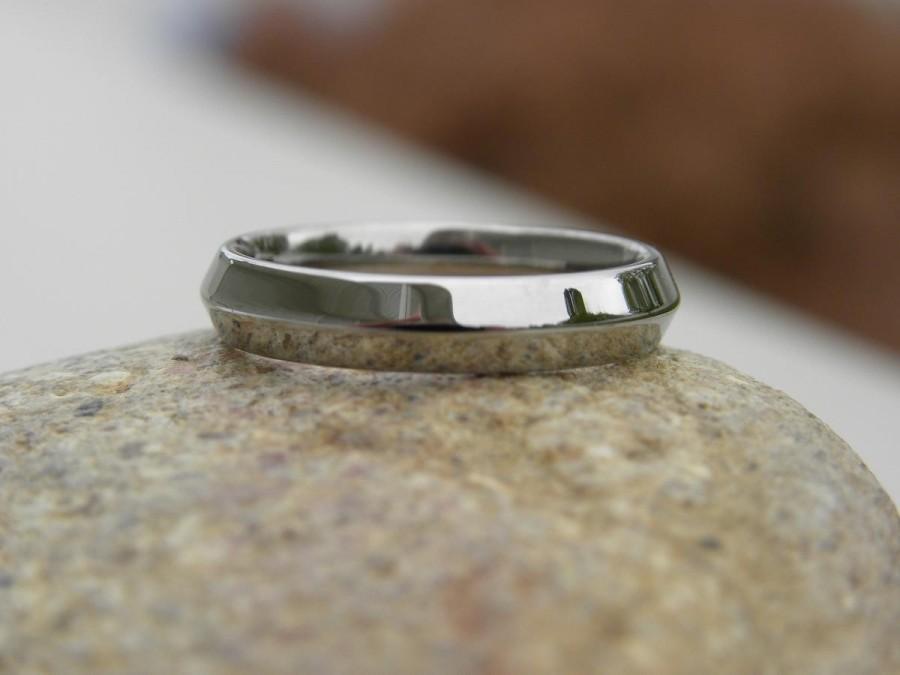 Mariage - Titanium Ring or Wedding Band, Knife Edge, Polished