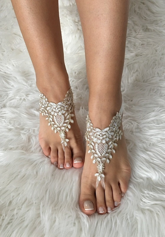 Düğün - Gold ivory Beach wedding barefoot sandals, french lace sandals, wedding anklet, Beach wedding barefoot sandals, embroidered sandals