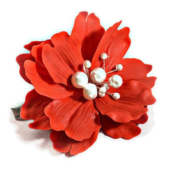 Mariage - Red hair flower clip , Wedding headpiece, Bridal hair flower with pearls, Flower fascinator, Wedding hair piece, Porcelain peony hair clip