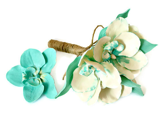 Mariage - Orchid bouquet and hair flower clip, Small bridal bouquet, Bridesmaid wedding accessories, Mint white clay orchids, Rustic wedding flowers