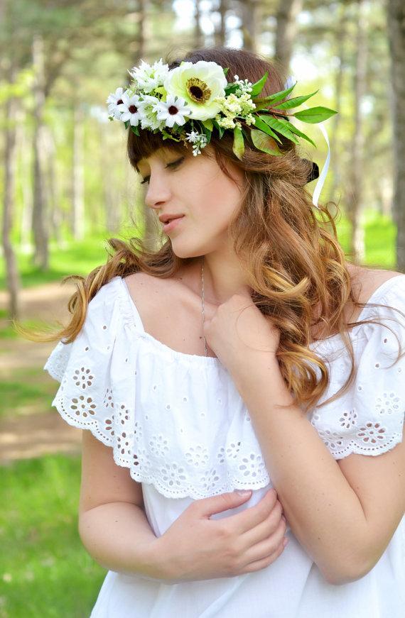 Wedding - Boho wedding flower crown Anemone hair wreath White green halo Boho bridal accessory White wedding woodland hair wildflowers crown