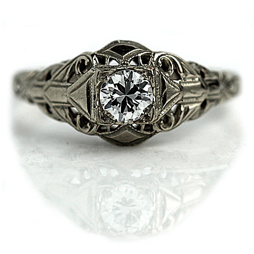 Mariage - Art Deco Engagement Ring Antique Engagement Ring Old .35ctw European Cut Diamond Filigree 14 kt WG Art Deco Diamond Wedding Ring!