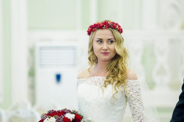 Mariage - Flower crown Boho Halo  red gold hair wreath Woodland Bridal Floral Accessories Fairy circlet Holiday hair fashion
