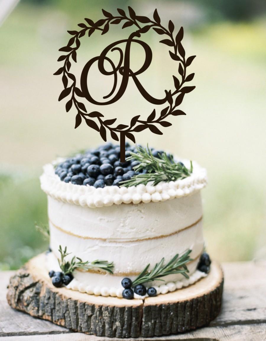 Hochzeit - Wedding Cake Topper Wreath Monogram Rustic Cake Topper   Wedding Initial Cake topper   Wooden Cake Topper Silver Gold toper