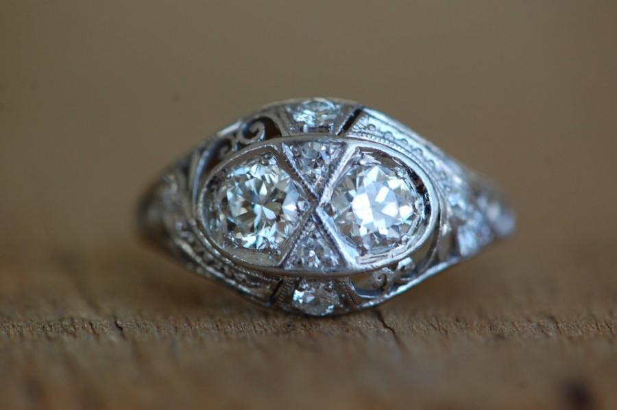 Mariage - Art Deco platinum twin diamond filigree engagement ring ∙ 1930s Art Deco filigree matched diamond ring