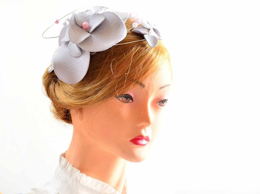 Hochzeit - Large silver fascinator hat Silver wedding headpiece Flower headpiece Wedding fascinator Wedding hair flower