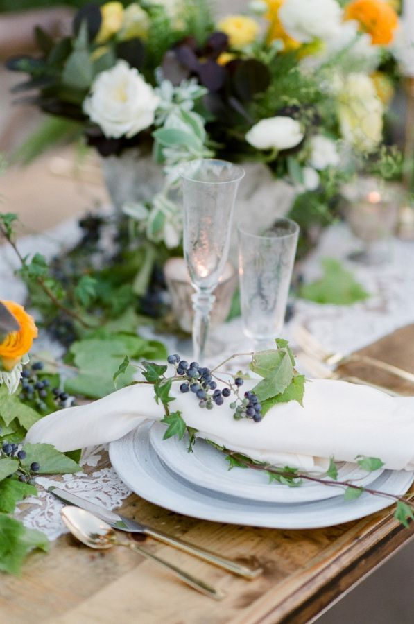 Hochzeit - A Fresh Take On Fall Weddings With Lots Of Lovely Yellow