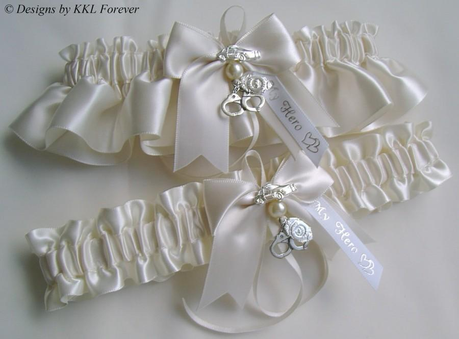 Mariage - Police Officer Wedding Garters Handcuff Charms Handmade Light Ivory Garters