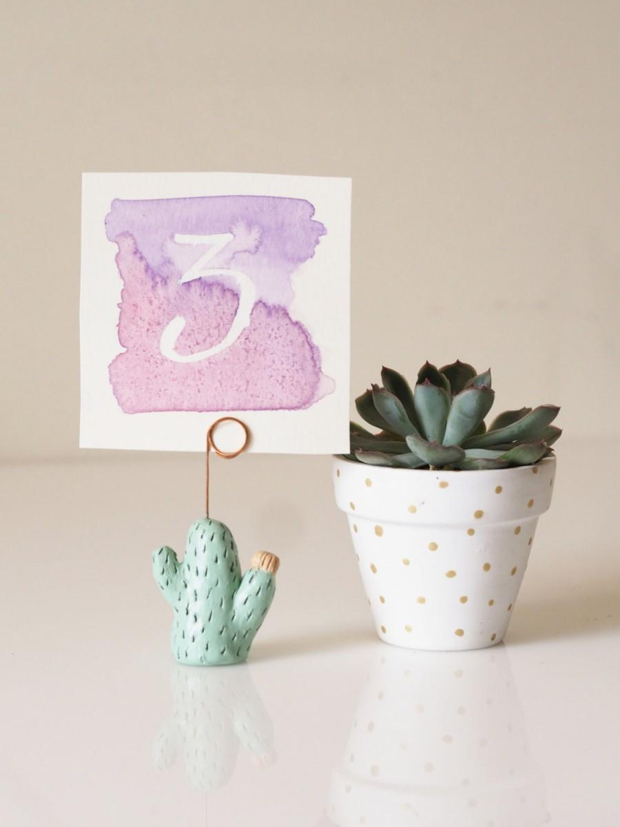 Свадьба - Cactus table number holder - Cactus photo holder - Cactus wedding place card holders - Cactus wedding favors - Original business card holder