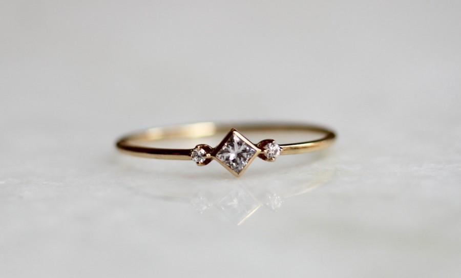 Свадьба - 14k Square Diamond Ring, Diamond Shape Ring, Daint Engagement Ring, Thin Ring, Simplistic Jewelry, Minimal, Geometric Ring, Princess Cut
