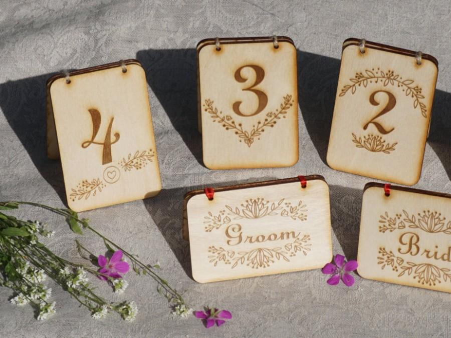 Mariage - Custom table number * Wooden table number * free standing table name * custom Wedding table sign * personalized wedding table decoration