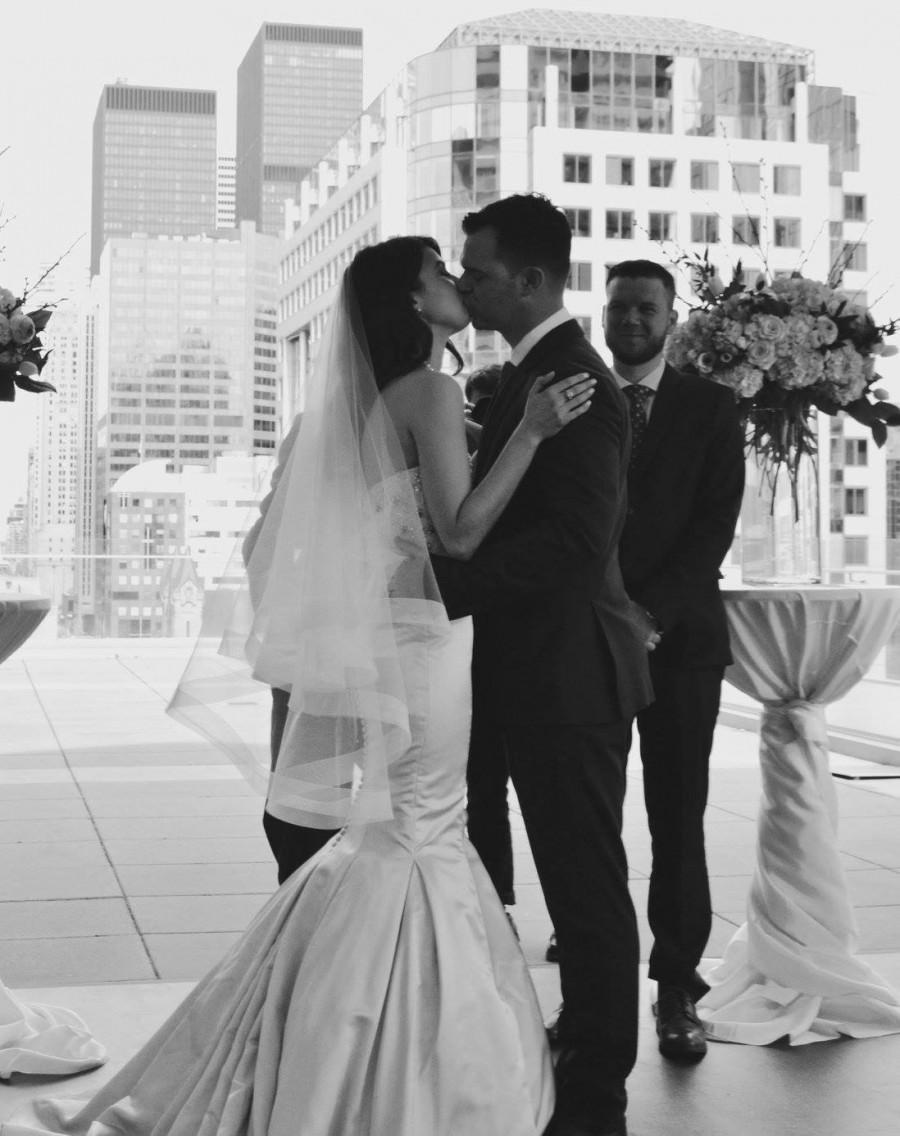 """Свадьба - Horsehair veil wedding veil with horsehair trim 2 tier veil fingertip length blusher veil with 2"""" horsehair trim"""