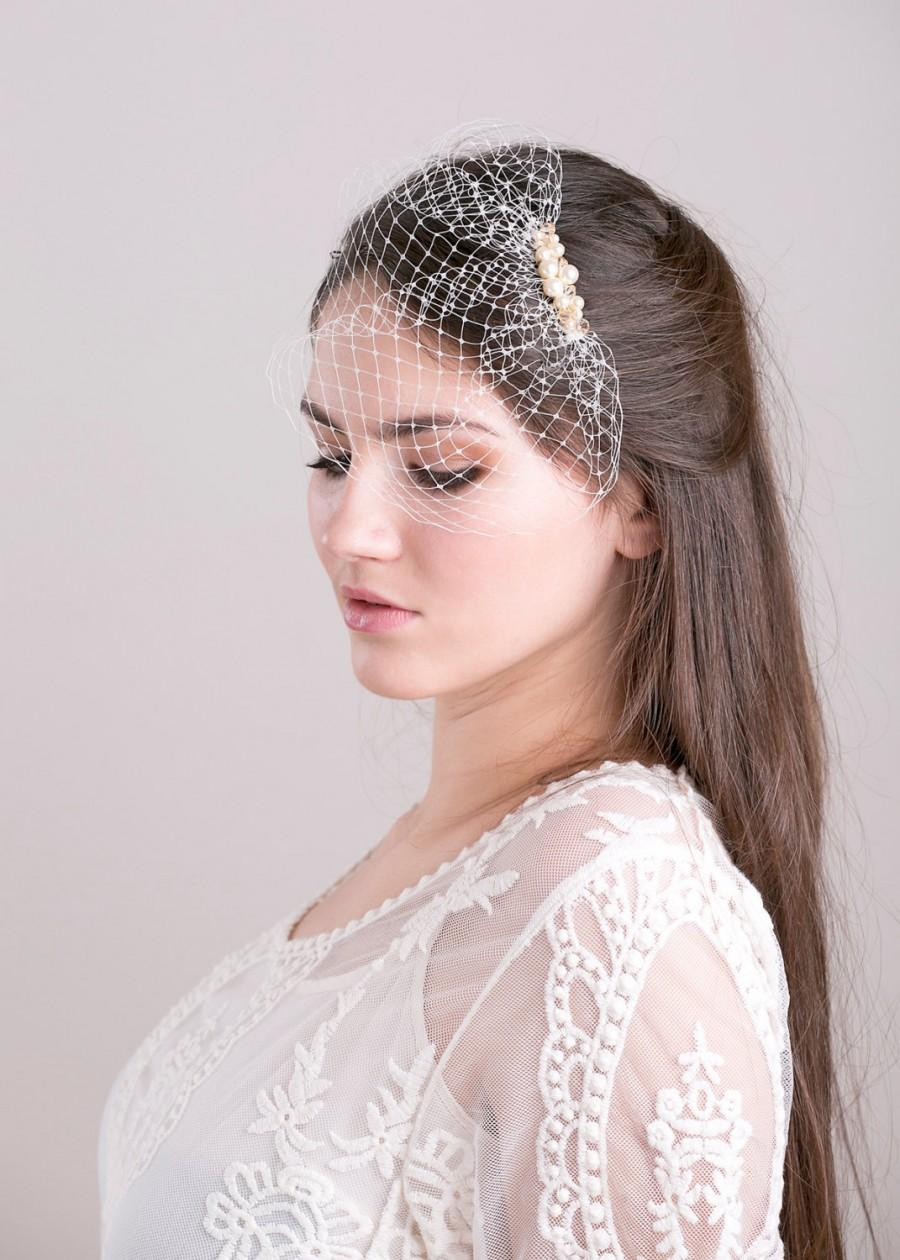 Свадьба - Petite birdcage veil with Swarovski pearls and crystals beads, bridal veil with pearls, beaded wedding veil