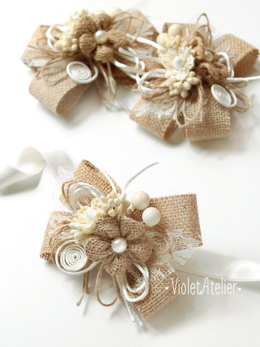 Свадьба - 2 Burlap Flower Bridesmaid Corsages, Set of 2 Burlap Lace Twine Bracelets, Rustic Wedding Mother Girl Wrist Bridesmaid Flower Bracelets