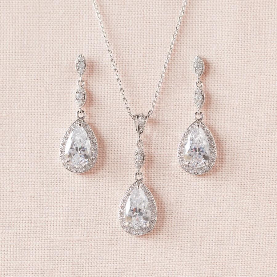 Mariage - Bridal Earrings, Crystal Wedding earrings, Wedding Necklace, Bridal Jewelry, Bridesmaid Jewellery, Swarovski, Leigh Bridal Jewelry