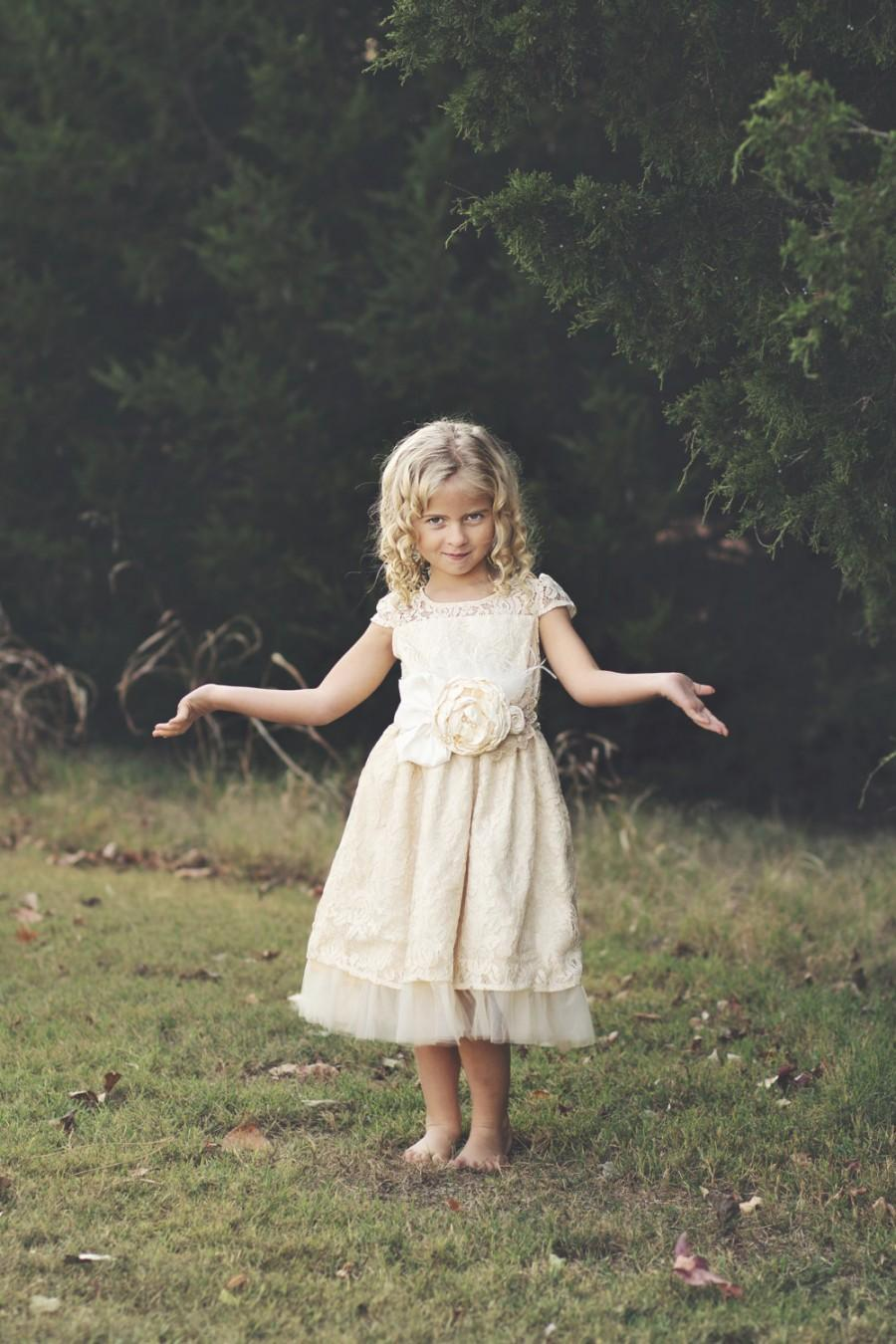 Mariage - flower girl dress -  flower girl dresses- rustic girl lace dress -  lace flower girl dress-  country flower girl -  champagne lace dress