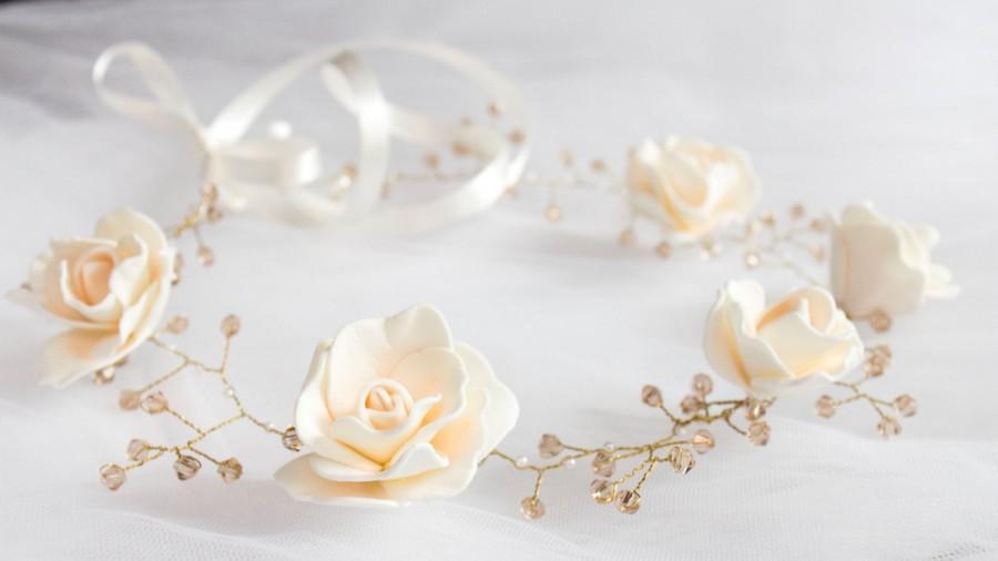 Mariage - Ivory Flower Crown, Flowergirl hairpiece, Ivory Wedding, Wedding Crown, Floral Hairpiece, Ivory flowers