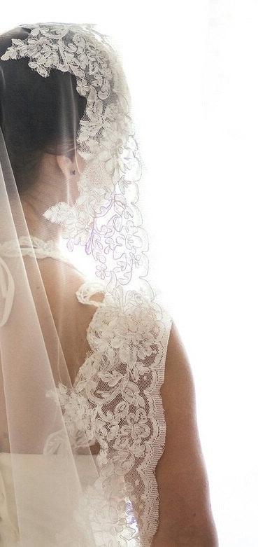 Mariage - Beautiful lace veil, ivory veil, white veil. Wedding lace veil