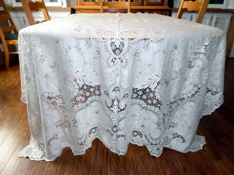 Hochzeit - Vintage Quaker Lace Overlay Lace Tablecloth New Old Stock Countess Style 6100 ECS SVFT 72 X 90 Scalloped Edge