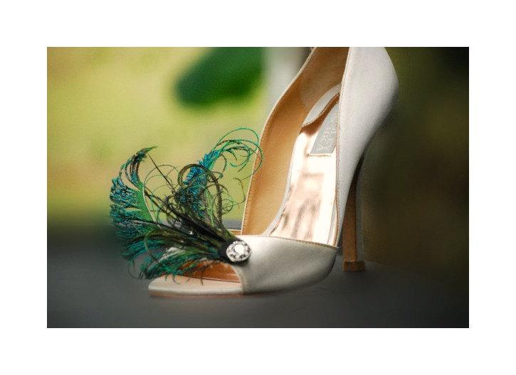 c7b97f61de3 Shoe Clips Peacock Sword Feathers. Rhinestone Gem   Beads Cluster. Emerald  Green Shoe Clips
