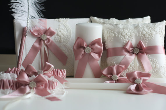 Mariage - Mauve Ring Bearer Pillow / Wedding Guest Book and Pen / Bridal Garter Set / Wedding Unity candles / Mauve Lace Bearer / Mauve wedding basket