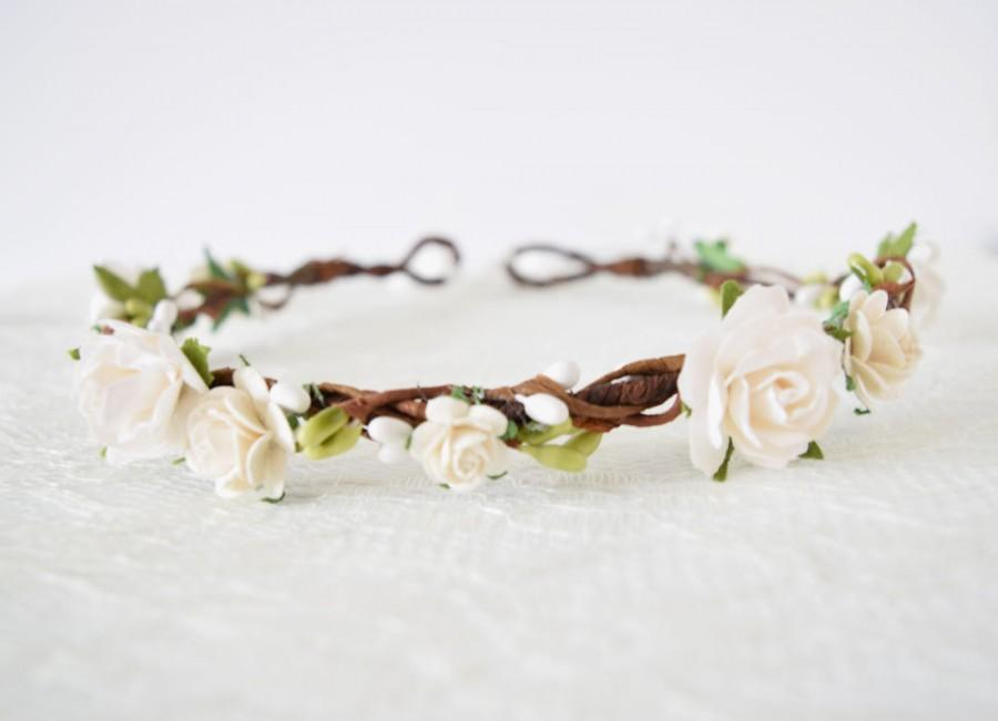 Hochzeit - Rose Flower Crown, bridal flower crown, spring wedding, woodland wedding, flowergirl garland, floral crown, bridesmaid - CHLOE