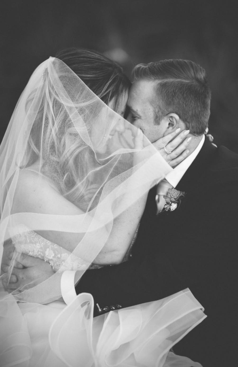 """Свадьба - Wedding veil 2 teir veil with 2"""" horsehair trim crinoline trim blusher 32 inch veil with horsehair trim """"Jobina"""""""