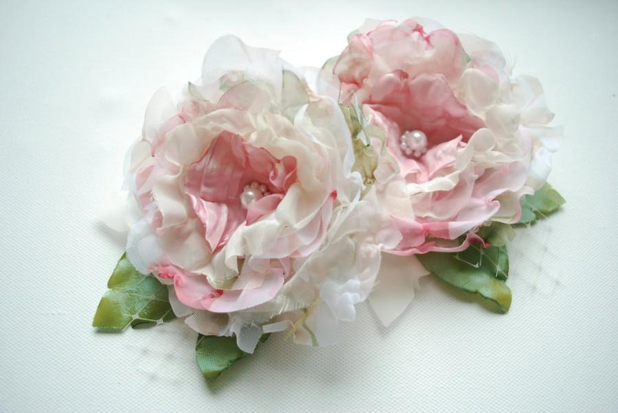 Mariage - pale ivory pink bridal romantic roses, shabby chic weddings hair accessories, bridal hair flowers, bridesmaids headpieces, flower girls
