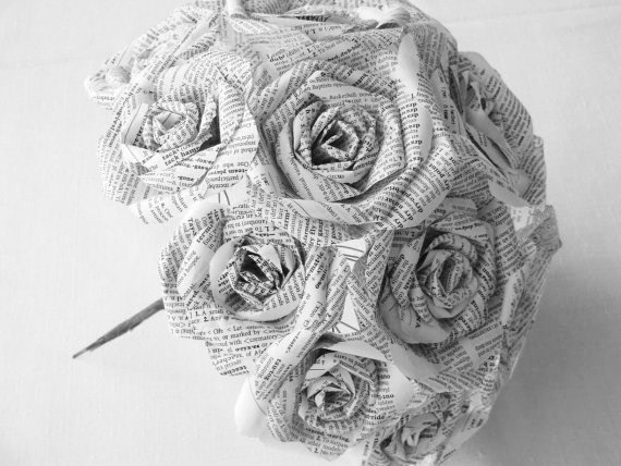 Свадьба - vintage very white dictionary book page paper roses wedding bouquet recycled alternative recycled steampunk