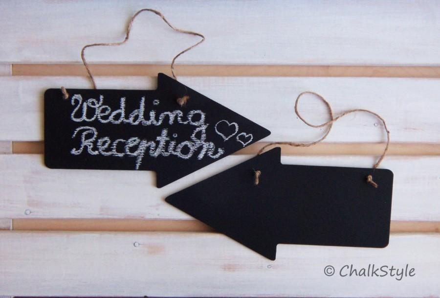 Mariage - 2 Large CHALKBOARD Arrow Signs Wedding Decor Reusable Chalk Boards Rustic Wedding Decor Photo Props
