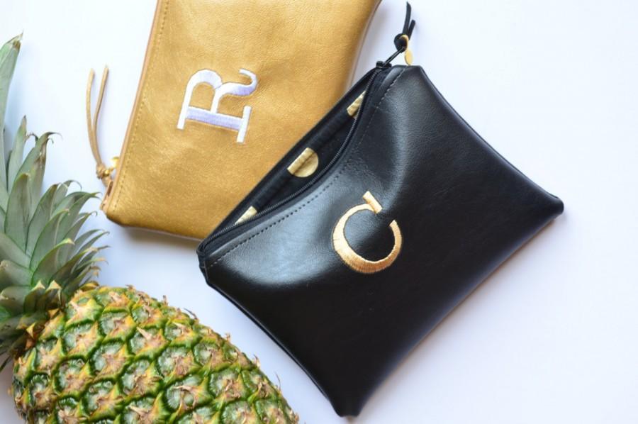 زفاف - SALE Personalized Gift Idea for Her Monogram Clutch Set Purse Custom Women Pouch Gold Black Faux Leather Metallic Makeup Bag Wedding