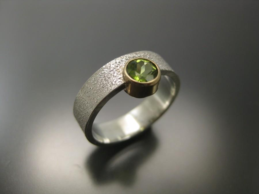 Свадьба - peridot ring in 14k gold setting and sterling silver band, gemstone ring, green ring, green peridot, gold ring, recycled silver and gold