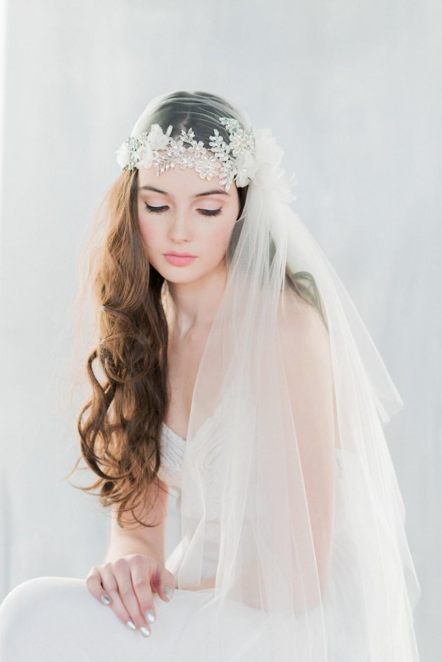 Mariage - Crystal Juliet Veil, Lace Juliet Veil, Crystal Veil, Flower Veil, Ivory Veil, Beaded Veil, Lace Veil, Lace Veil, Embroidered Veil ANTOINETTE