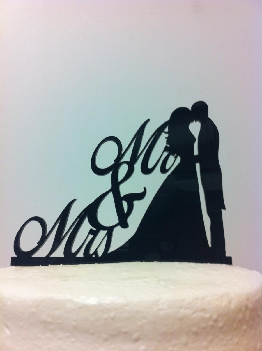 Свадьба - Silhouette Mr & Mrs Bride and Groom Kissing Wedding Cake Topper MADE In USA…..Ships from USA