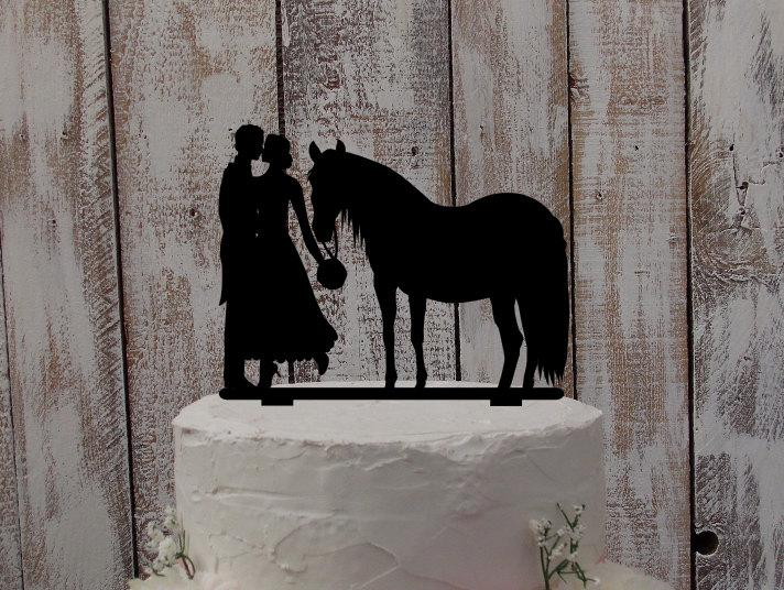 """Mariage - Wedding Cake Topper """"Bride, Groom, and Horse"""""""
