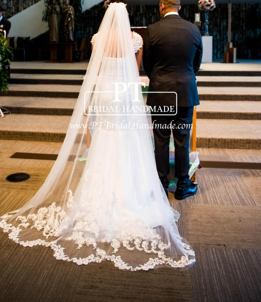 Mariage - Chapel Wedding Veil With Lace Appliqué Bottom,Lace Chapel Wedding Veil, Lace Wedding Veil, Lace Bridal Veil With Chapel Length