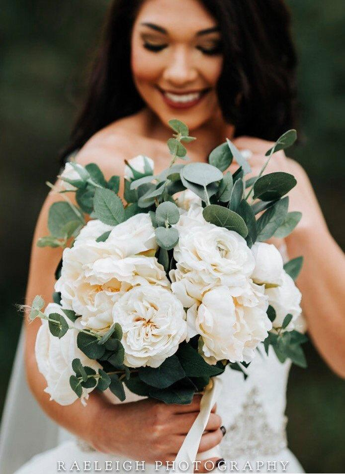 Mariage - Ivory and eucalyptus bouquet