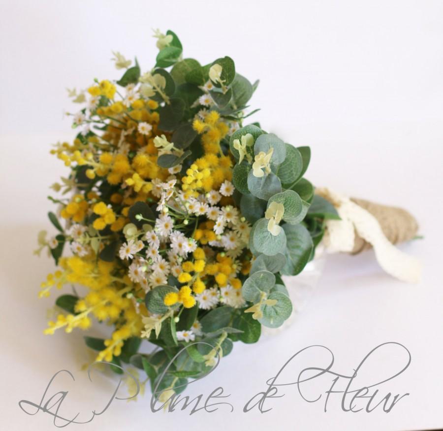 Mariage - Sunshine - Wedding bouquet. Garden posy of Australian native wattle, mini daisies and gum foliage. Pretty yellow and white bouquet.