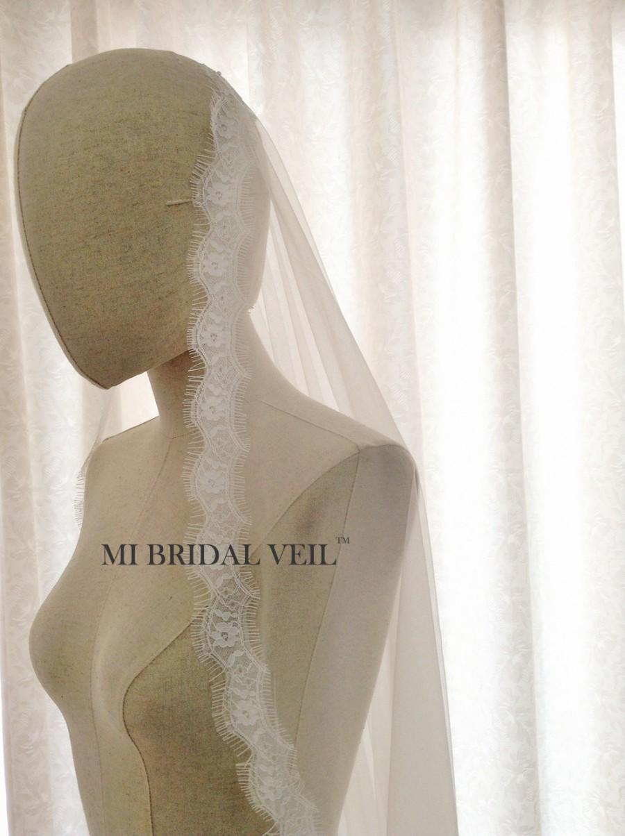 Mariage - Boho Eyelash Lace Veil, Light Beach Veil in Chapel and Cathedral Length, Soft and Smooth Tulle Bridal Veil,Mantilla /Blusher Veil