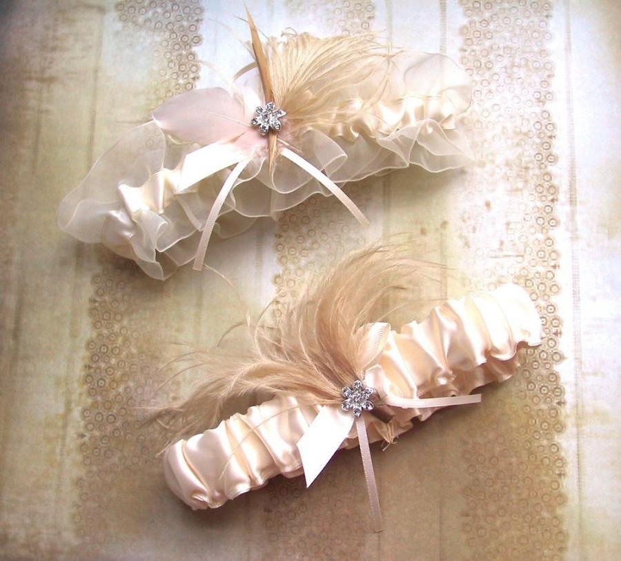 Mariage - Ivory Garter Set - Satin ivory garter set with cream and ivory feathers and rhinestone jewel, wedding garters