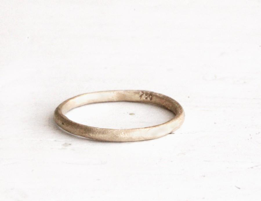 Mariage - Earthy wedding ring. 18k gold. Sophie.