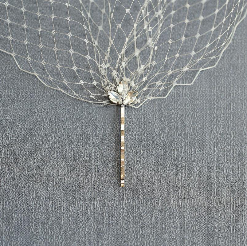Mariage - Champagne Bandeau Style Veil- Wedding Bridal Veil- 9 inches French Net Birdcage Veil- Rhinestone Brass Hair Pins