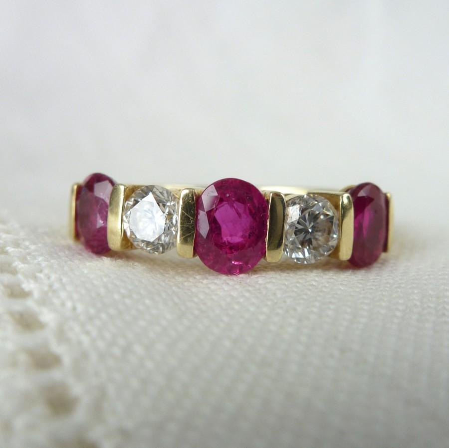 Mariage - A Fine Vintage Ruby and Diamond 18kt  Gold Wedding Eternity Band Ring - Tatiana