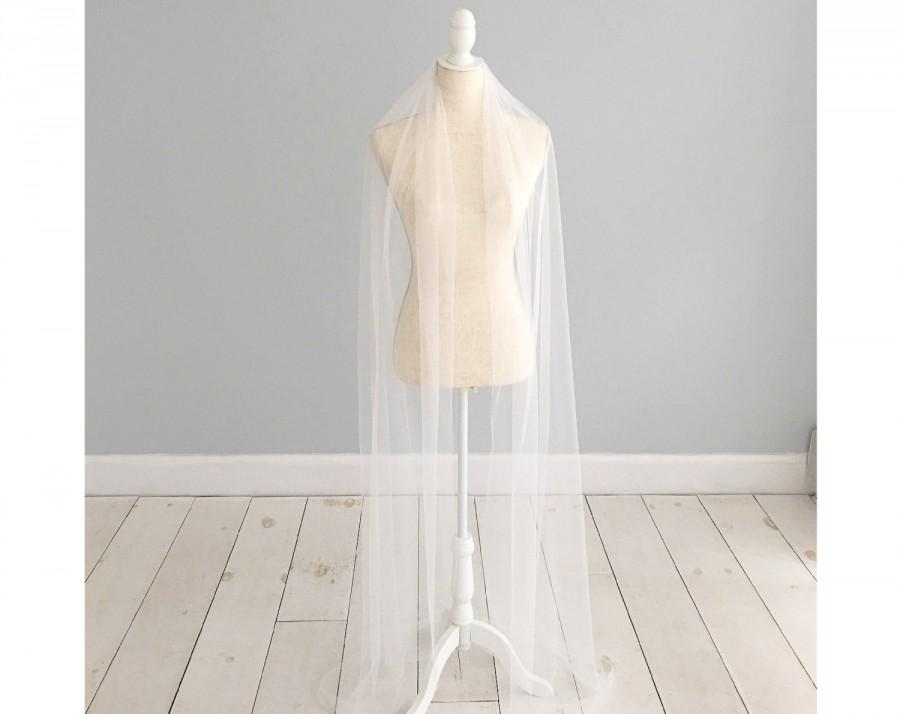 Mariage - Silk Style Wedding Veil, Cut edge Wedding Veil, Single Tier Wedding Veil, Floor length veil, Chapel length veil, Cathedral length,