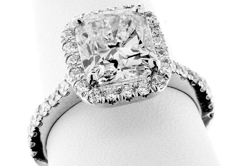 "Hochzeit - 3.56 Carat GIA Certified ""MAGNIFICENT"" CUSHION Cut Diamond Engagement Ring - Platinum Custom ""Halo"" Mounting"