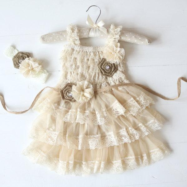 Свадьба - Lace Burlap Rustic Flower Girl Dress, Country Flower Girl Dress, Burlap Flower Girl Dress, Causal Flower Girl Dress, Rustic Wedding, Lace